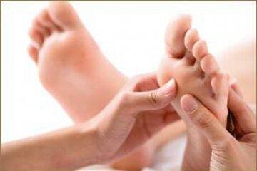 Masaż stóp z elementami akupresury